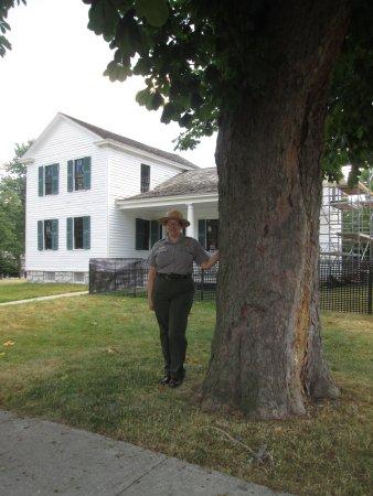 Seneca Falls, estado de Nueva York: Park ranger at Elizabeth Cady Stanton Home.