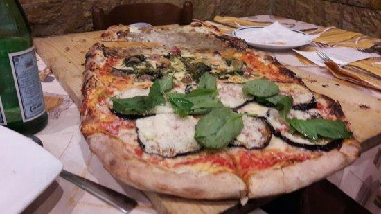 Pizzeria Vecchia Napoli da Rino: 20160716_221503_large.jpg