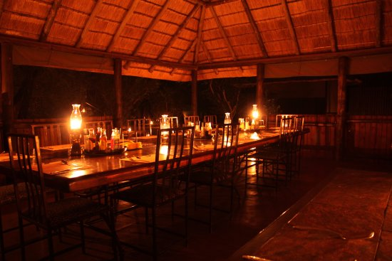 Mosetlha Bush Camp & Eco Lodge: Dining table