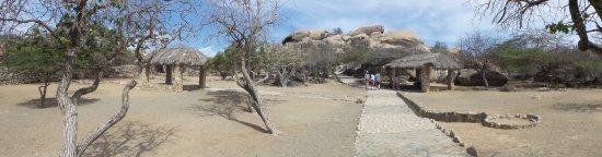 Ayo and Casibari Rock Formations: Panoramazicht ayo rockformatie