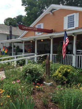 Lake Luzerne, NY: Up River Cafe