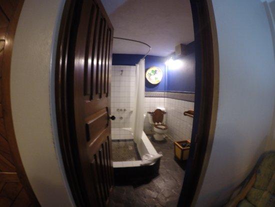 Playa Grande, Costa Rica: Master bathroom.