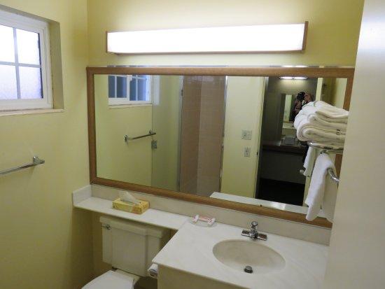 Roseburg, OR: Bathroom