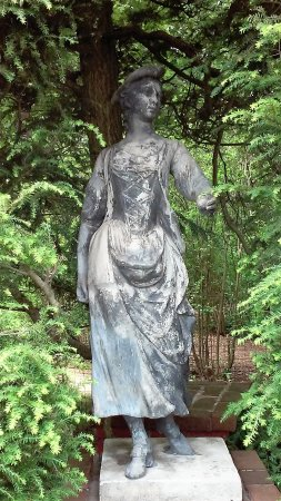 Monkton, Maryland: One of the few statues