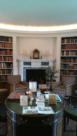 Monkton, Maryland: The Library in the House