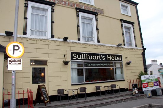 Sullivan S Royal Hotel Ta Sign In Front Of