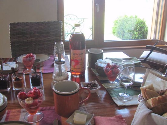 Cogny, France : awesome breakfast/ mostly home made.