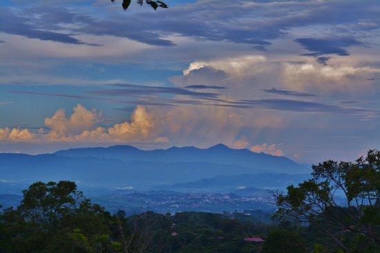 جريسيا, كوستاريكا: Grecia below