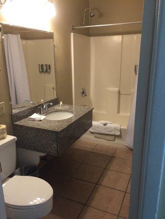 The Dalles Inn: photo1.jpg