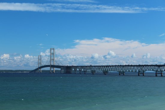 Colonial Michilimackinac: Great view of the bridge