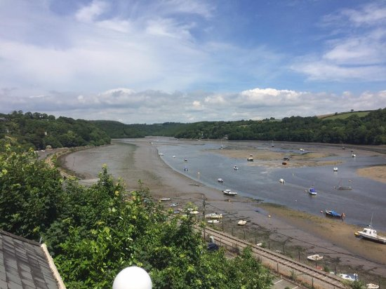 Golant, UK: View from the balcony when the tide was out