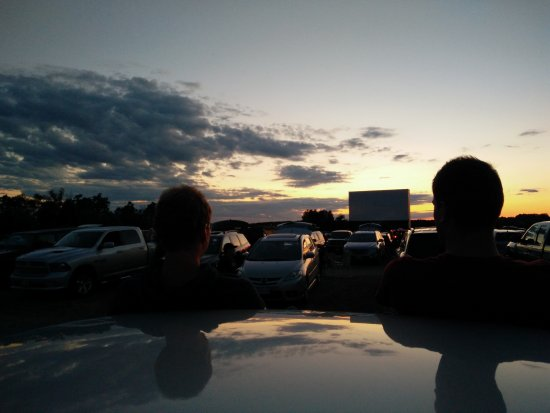 Mustang Drive-In: Watching the first movie of the evening