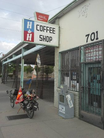 H & H Car Wash and Coffee Shop