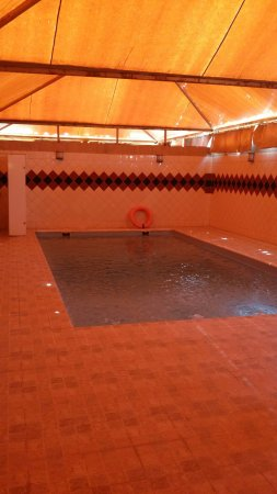 Rokn Almarsa: One of three swimming pools available for private hire.