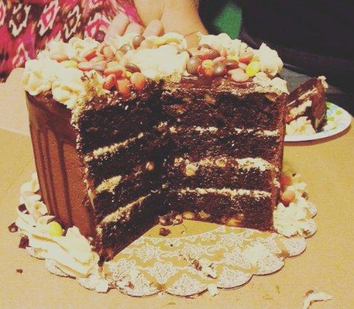 Cache, OK: Reeses Cake
