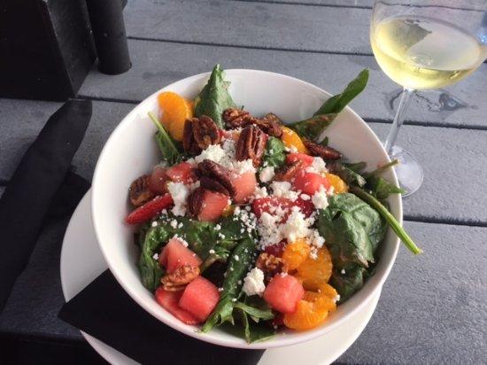 Hotel Eldorado: Amazing salads at the restaurant