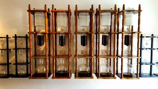 Harold's Coffee Lounge: Coffee preparation