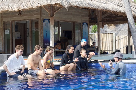 Gili Air, อินโดนีเซีย: Some students on a freediving course