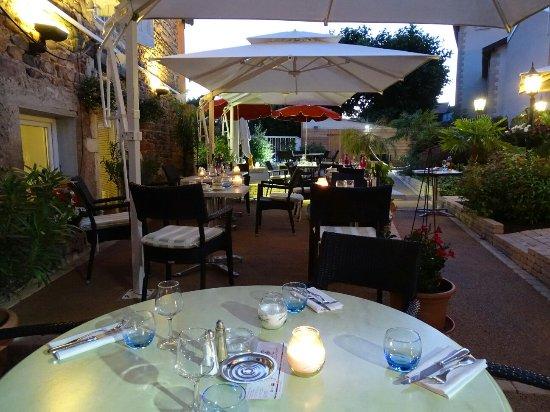 Julienas, ฝรั่งเศส: Hôtel restaurant Beaujolais recommandé