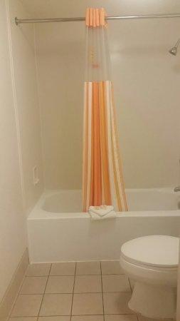 Vista, CA: Bathroom