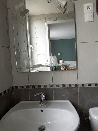 Hotel  les Embruns : TA_IMG_20160717_085124_large.jpg