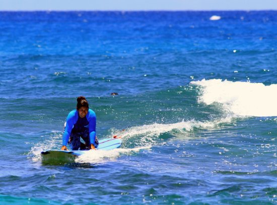 North Shore Surf Girls - Surf School : Wife pushing her comfort zone and felt empowered