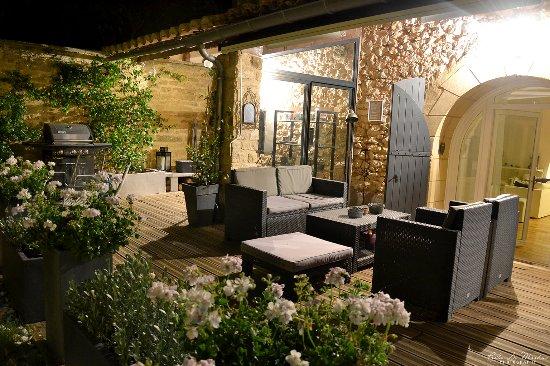 Baron, Fransa: Terrasse