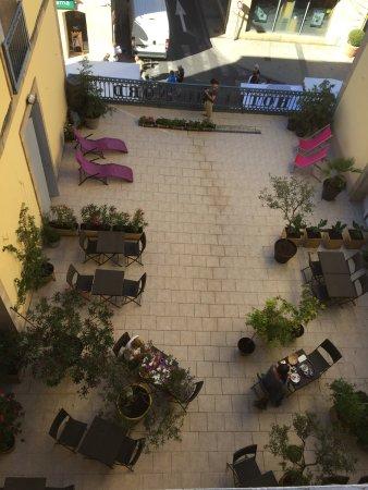 Hotel du Nord: Terrasse très agréable  Bonne literie