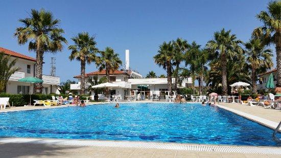 Fondachello, Italien: Week end trascorso in vero relax , posto ottimo con camere pulite , grandi ed accoglienti . La c