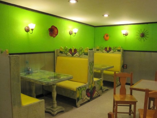 El Ranchito Mexican Restaurant : Smaller dining area