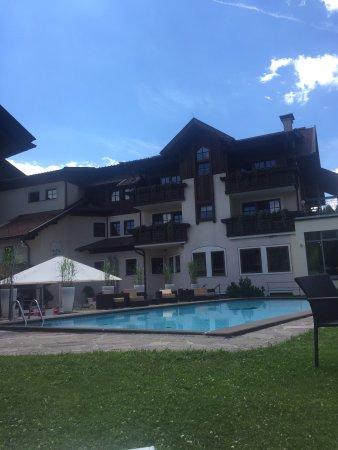 Hermagor, Austria: Vista piscina, un pó freddina! �� Altre 2 piscine oltre a questa, 1 interna semi riscaldata e 1