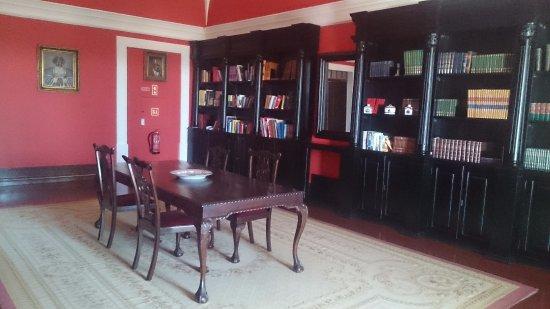Convento do Espinheiro, A Luxury Collection Hotel & Spa: Library