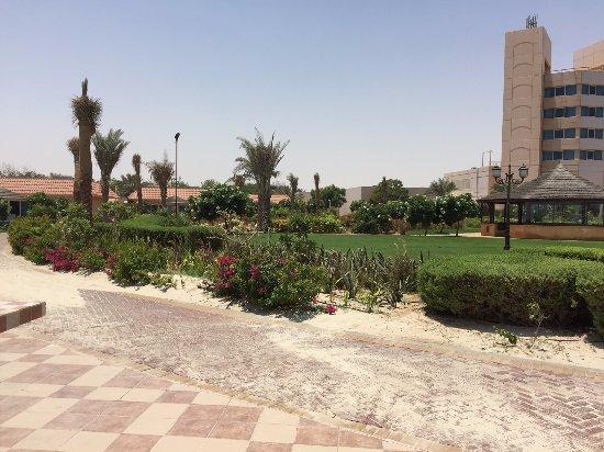 Gambar Jebel Dhanna