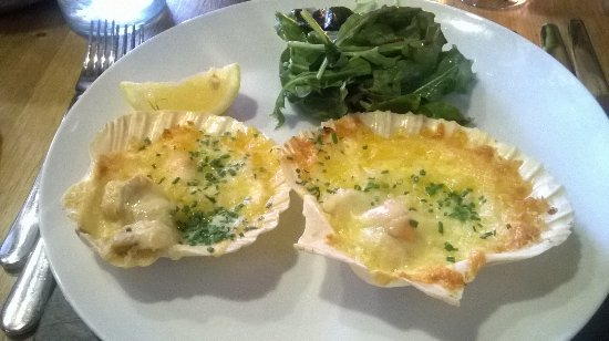 Ferrensby, UK: Scallops to start