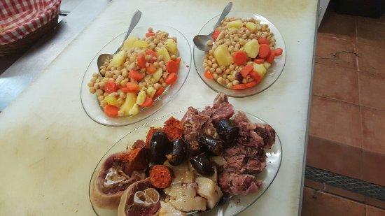Paracuellos de Jarama, España: Cocido madrileño por encargo