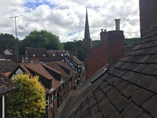 Ledbury, UK: A little bite of English heaven city dwellers may have forgotten ever existed. Amazing location,