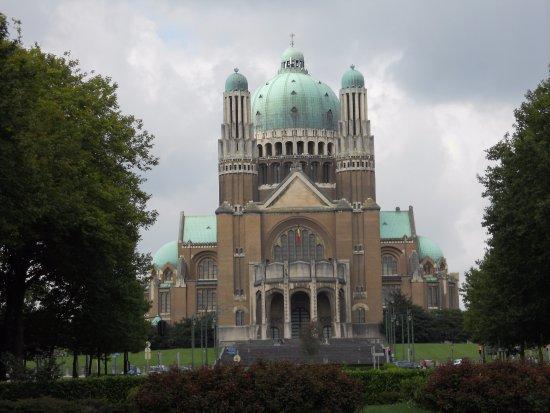 Koekelberg, Bélgica: とても大きな聖堂です