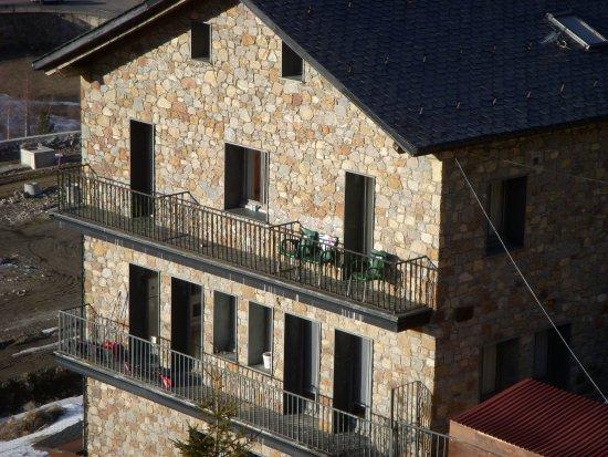 Hotel Roc de Sant Miquel: Hotel close up