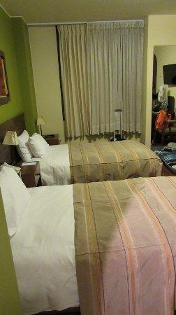 โรงแรมลอสแทมบอส: camera