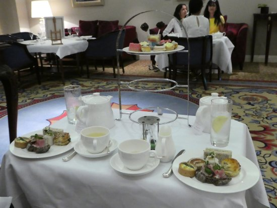 Lancaster London: table setting with sandwiches and sweets