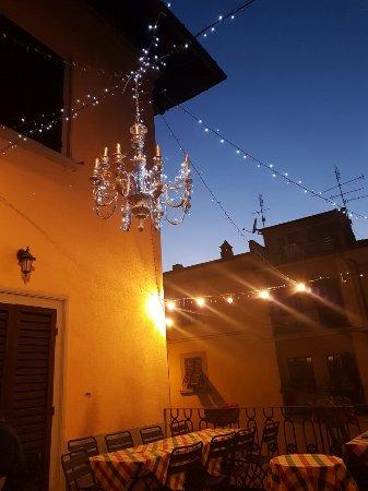 Subbiano, อิตาลี: 20160716_212419_large.jpg