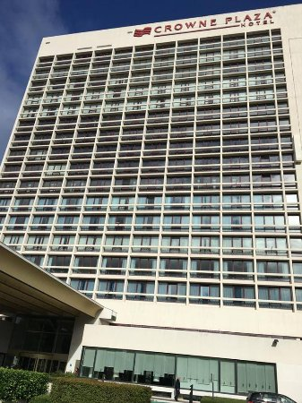 Crowne Plaza Antwerpen: Modern Hotel