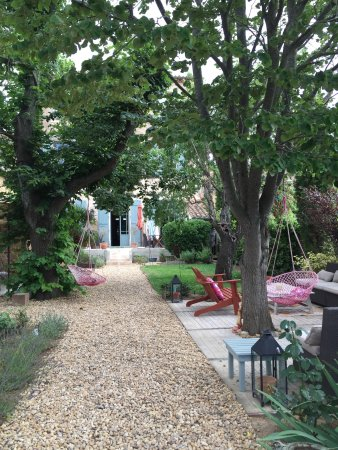 Saint-Andre-de-Roquelongue, Francja: Fantastic B&B with the nicest hosts. Very bohemian chic and supercool interior. Towels and bedli