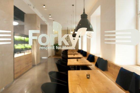 Forky's: Logo