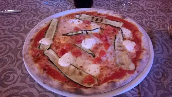 Presezzo, Italy: pizza parigina ai 5 cereali
