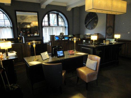 Grand Central Hotel: Particolare della Reception