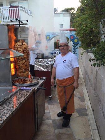 Viking Apart Hotel : Kokken Ali, kylling kebab, tyrkisk aften