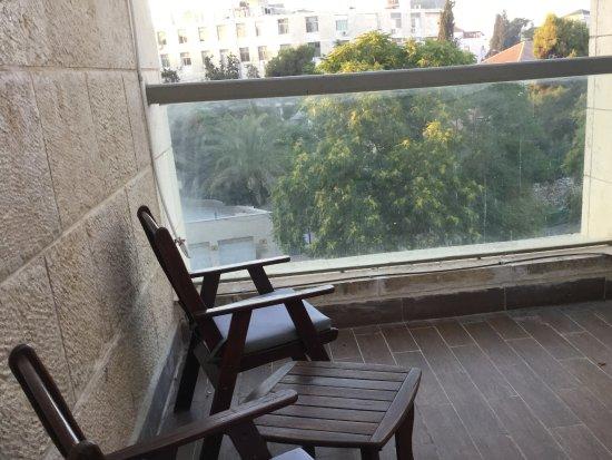 Olive Tree Hotel: Terraza y vistas de mi habitación