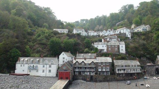 Gulworthy, UK: Clovelly vanaf de haven gezien.
