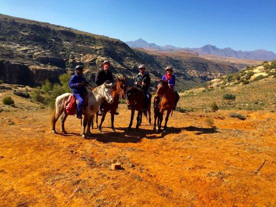 Malealea Lodge: Pony trekking to San Bushmen paintings (over 40,000 years old!)